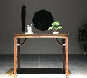 【书桌•黄花梨做工】长100 宽38 高80。花梨木,此桌器型美观,做工精致,高端雅致,适合书房会所等
