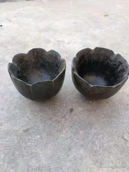 黑青石茶碗一对,纯手工打造,全品,品相如图。