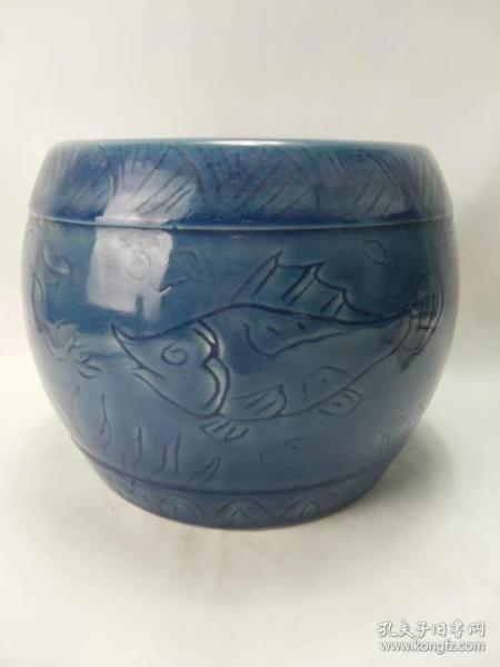 祭蓝鱼藻纹鼓敦,品相完整,颜色漂亮