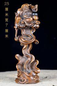 清晚期精品黄杨木老人倒流香塑像,纯手工雕刻,包浆厚重,磨损自然,老化明显,纹理清晰,笔法纤细,刻画形象细腻逼真,栩栩如生,富有神采,品相完整,成色如图