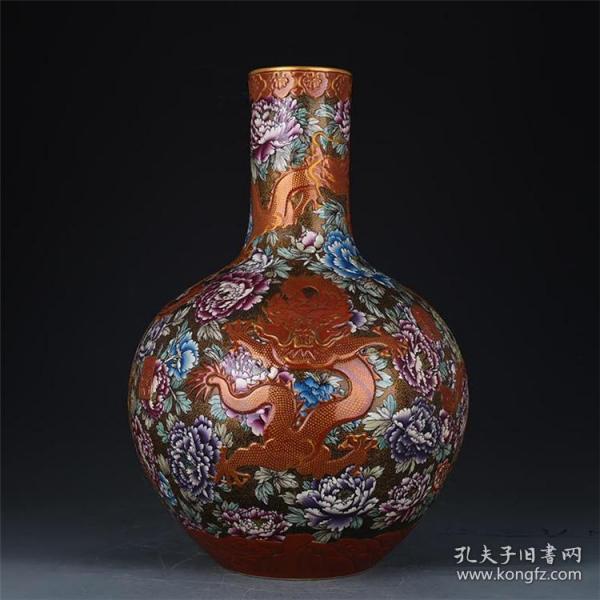 清乾隆珐琅彩花卉牡丹雕刻龙凤纹天球瓶