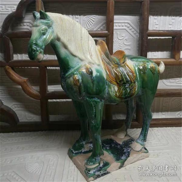 唐三彩绿釉千里马雕塑