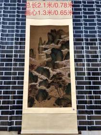 朗世宁老丝绢山水老画一幅,画工精细,整幅画色彩艳丽,典雅高贵,色彩柔丽,气韵生动,刚劲圆润,此类作品存世量少之又少,时常稀有,贵在保存完整,更是不可多的的收藏佳品