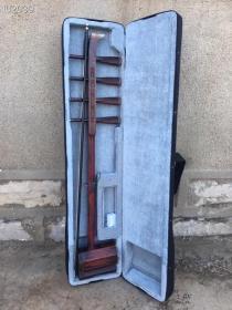 红木四弦琴:保存完好,精致漂亮,品相完美,正常使用!经典乐器,品质优雅:喜欢的朋友请联系