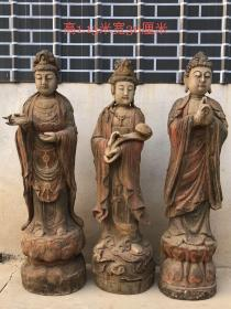 清代早期  包老到代  楠木佛像一套,开脸慈祥,整根实木纯手工雕刻,精致细腻,包浆老道,老化明显,钙化程度自然深邃,品相完整,成色如图
