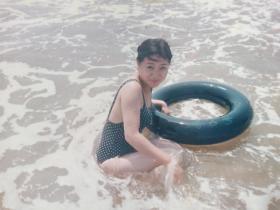 美女 泳装照片