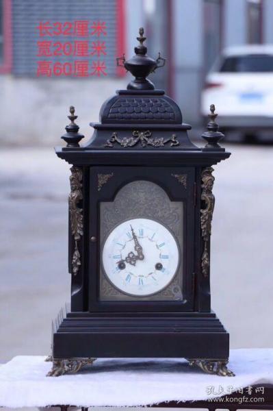 海外回流,红木包铜镶磁盘座钟,做工精细,造型别致,品相完好,包浆浑厚,正常使用,整点打点,尺寸如图