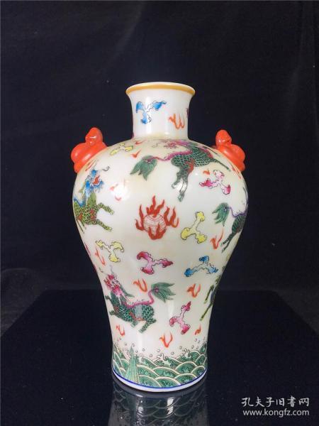 旧藏瓷胎画珐琅双蝠耳梅瓶