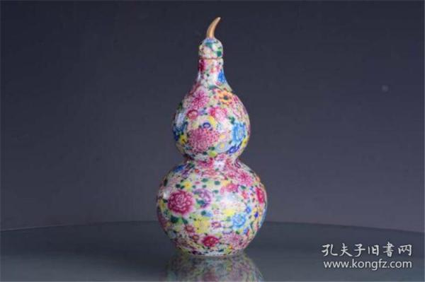 清雍正官窑珐琅彩本色金百花不漏地万花锦纹葫芦尊瓶