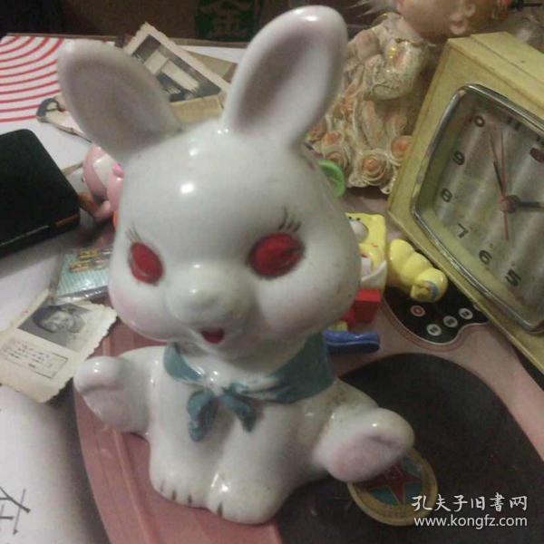 文革时期 老玩具 瓷摆件 兔子 存钱罐