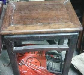 老红木凳子