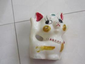 文革储钱罐:小猫造型(塑料的)少见造型