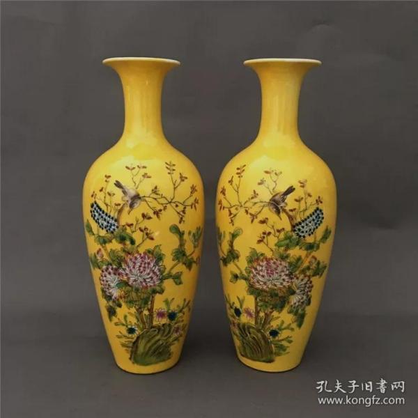民国时期手绘粉彩花鸟黄釉瓶(一对)