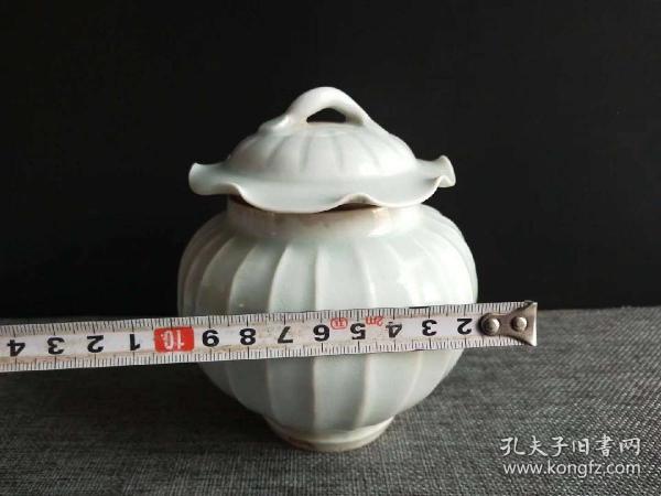 象牙白棱形罐