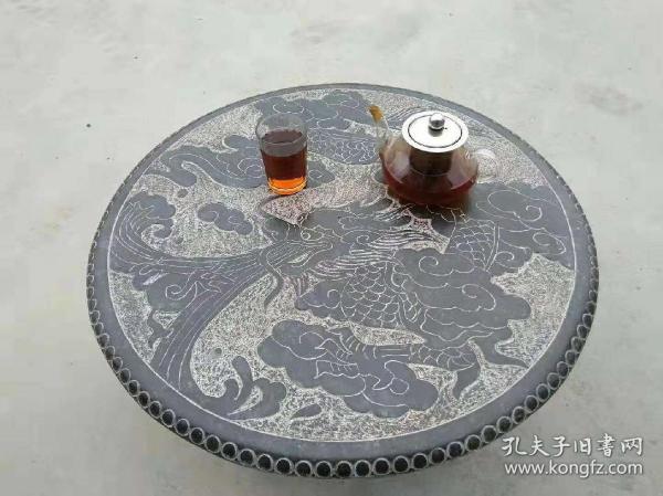 青石雕云龙献瑞精品茶台,雕刻精细,茶台之选。可做墙壁镶嵌装饰,尺寸 直径60,厚3.5~