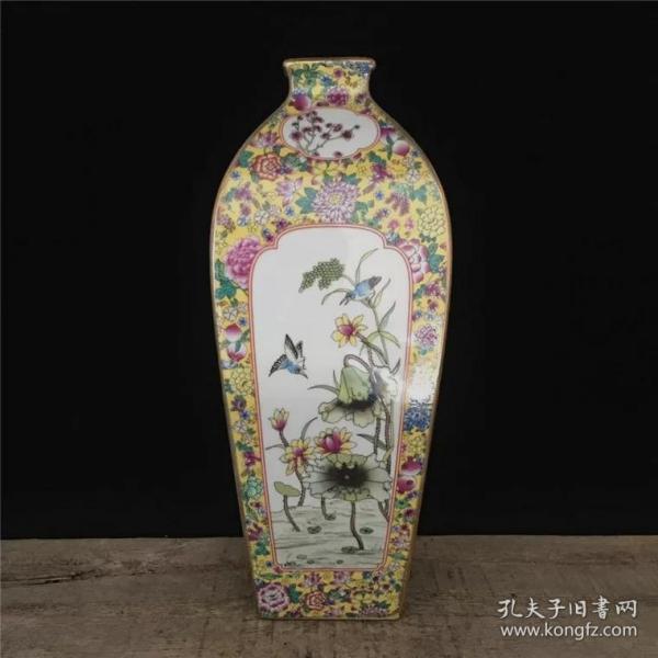 清 乾隆御制粉彩花鸟四方小口花瓶