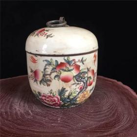 清同治粉彩寿桃图茶叶盖罐