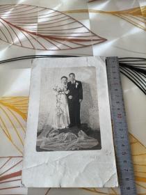 民国婚纱照片一张