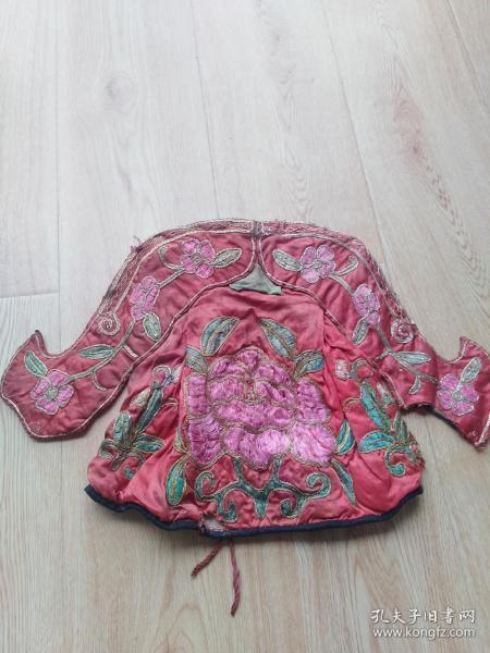 徽州民俗文化:清代手工刺绣戏剧用帽子