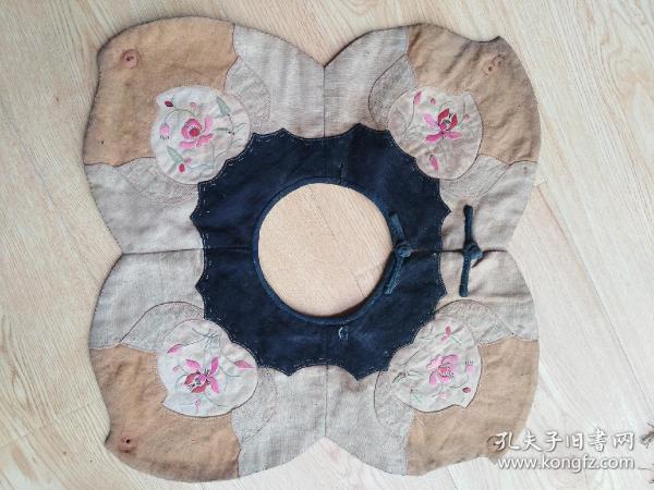 徽州民俗文化:清代手工刺绣儿童围嘴