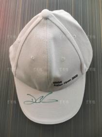著名高尔夫球运动员 达伦·克拉克 亲笔签名帽子 一件(为其参加2008宝马亚洲公开赛时所签)HXTX311854