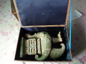 老玉器,特大件,精致漂亮,长26cm10cm,高35cm,重6斤,品好如图。
