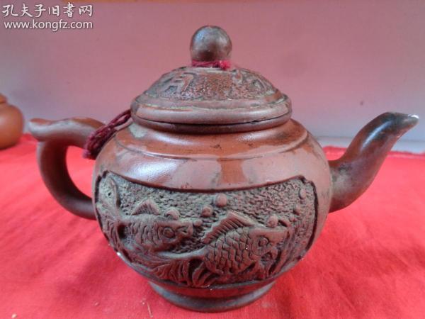 名家老紫砂壶一件《金玉满堂》,民国,半径12cm,高14cm,品好如图。