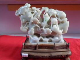 旧藏,翡翠摆件《吉祥如意》色泽温润,雕刻有寿桃花卉等图案极为精美,收藏精品,玉高14cm,重4斤,带底座,品好如图。
