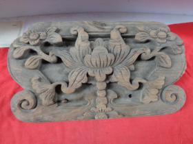 清朝老木雕一块,特大号,长24cm40cm,厚11.5cm,重7斤,品好如图。