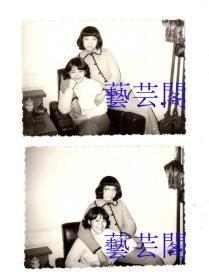 约1990年前后苏州美女照片2张,2个美女不同姿态,美而韵者,单张照片尺寸9.5*6.5CM