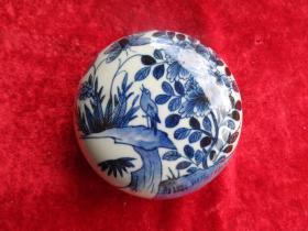 清朝瓷器《印泥盒》清,直径10cm,品好如图。