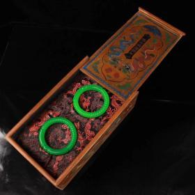珍藏 清代宫廷用冰种极品翠玉手锣一对 配老漆器盒 一个