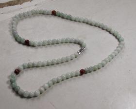 美丽翡翠园珠项链一条.