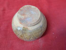 清朝瓷器《酒壶》清,直径9cm,高10cm,品好如图。