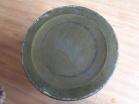 铜器《取暖炉器》年代不祥,直径21cm高13cm,重3斤,品好如图。