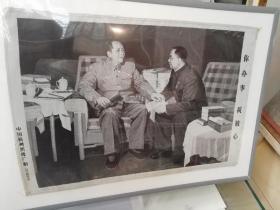 文革时期杭州织锦厂,丝织画,包老保真,《你办事我放心,毛主席与华国锋》,27×4o厘米,品佳,