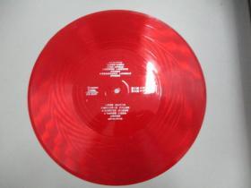 中国唱片社出版 薄膜老唱片一张 歌曲《明亮的眼睛、土古曼的月亮 等》有中国音乐家协会理事成方圆、中国著名歌唱家、歌舞表演艺术家朱明瑛等演唱 尺寸25/25厘米
