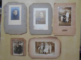老照片【民国家庭照,5张】在照相馆拍的