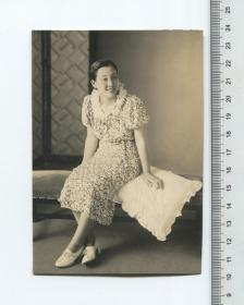 原版民国老照片:美女照片一张,照片质量非常好!