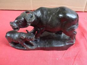 寿山石《子母牛》清,长17cm5.5cm高10cm,品好如图。