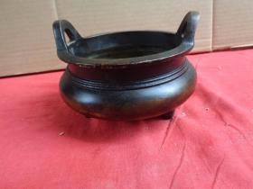 清朝铜炉一件,长14cm15cm,高11cm,重3斤,品好如图。