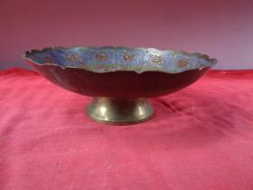 清朝景泰蓝铜花盘一个,长18.5cm18.5cm,高6.8cm,品好如图。