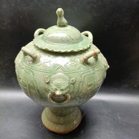 大器磅礴 !金玉满堂虎头雕大瓷罐 一件20090216
