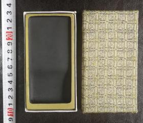 日本回流旧文房 金边罗纹砚 1方 未使用品,尺寸:11.8x6.0x1.5(cm)