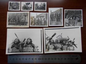 老照片【1951年4月,完成轰炸黄河冰坝任务返抵南京在机场合影,2张】【空军照片7张,董仁源,等】