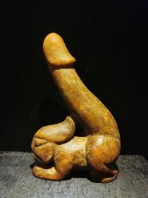 红山玉器玉祖,造型独特,下部为人身跪像,古朴神韵,玉质油润,重1185克,详见细图,低价起拍结缘