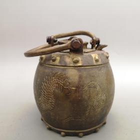 老铜器温酒壶