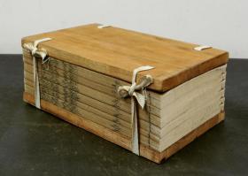 """【明代珍本】明代精刻本【 韓詩外傳 】一夹板六册一套全·保存完好,内容多载趣闻轶事·""""韩诗学""""的创始人韓嬰著作。"""