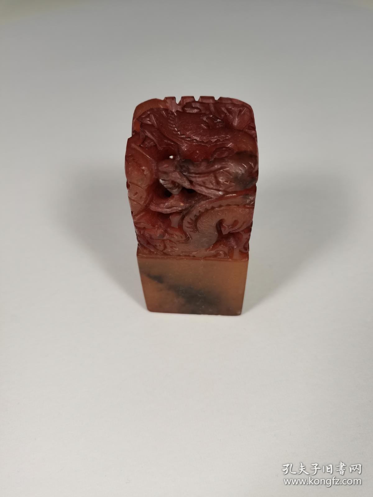 寿山石仿古印章 雕工精美 尺寸:4cm*4cm*8cm