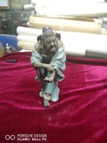 约六七十年代  石湾瓷器 钟馗人物雕塑一个 高20厘米有破损